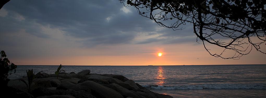 Bali-Padang-Bay