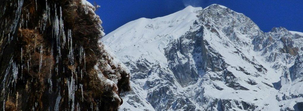 Bouda_Himal-Eiszapfen
