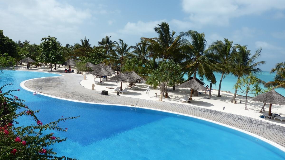 Hotel-Gemma-de-L-Est-Pool3
