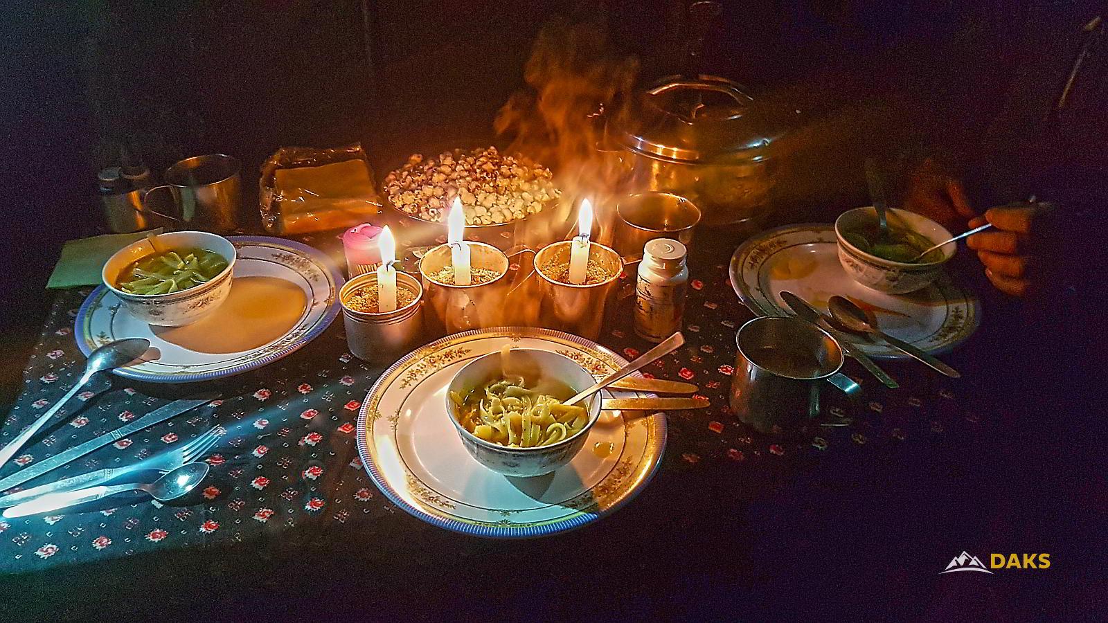 Dinner Nepal Trekking mit Komfort
