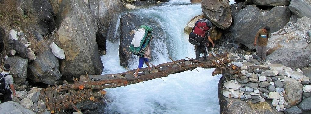 Nepal Holzbrücke