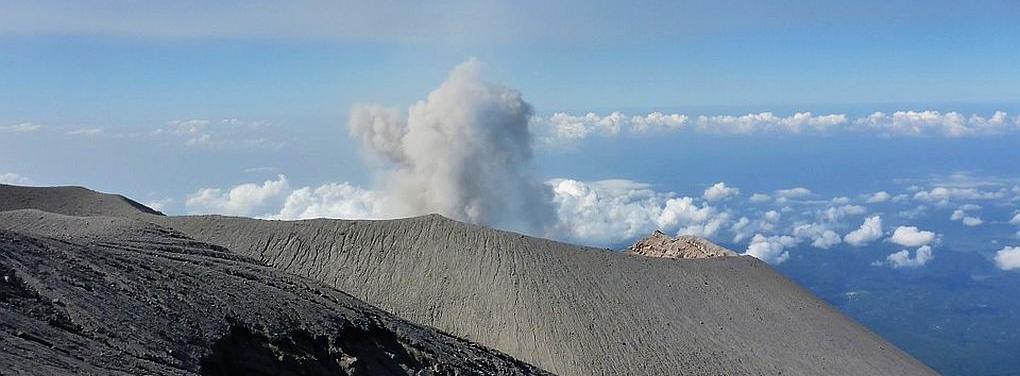 semeru-vulkan